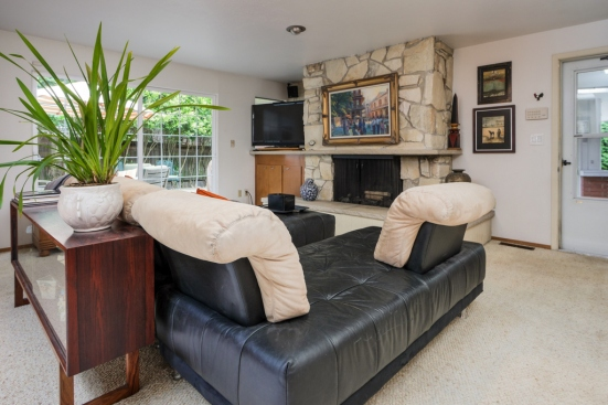 Broadview Home For Sale Familyroom01