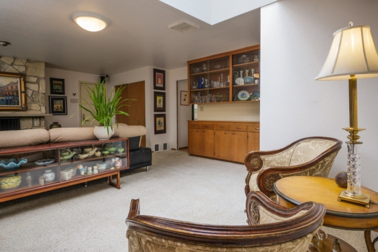 Broadview Home For Sale Familyroom04